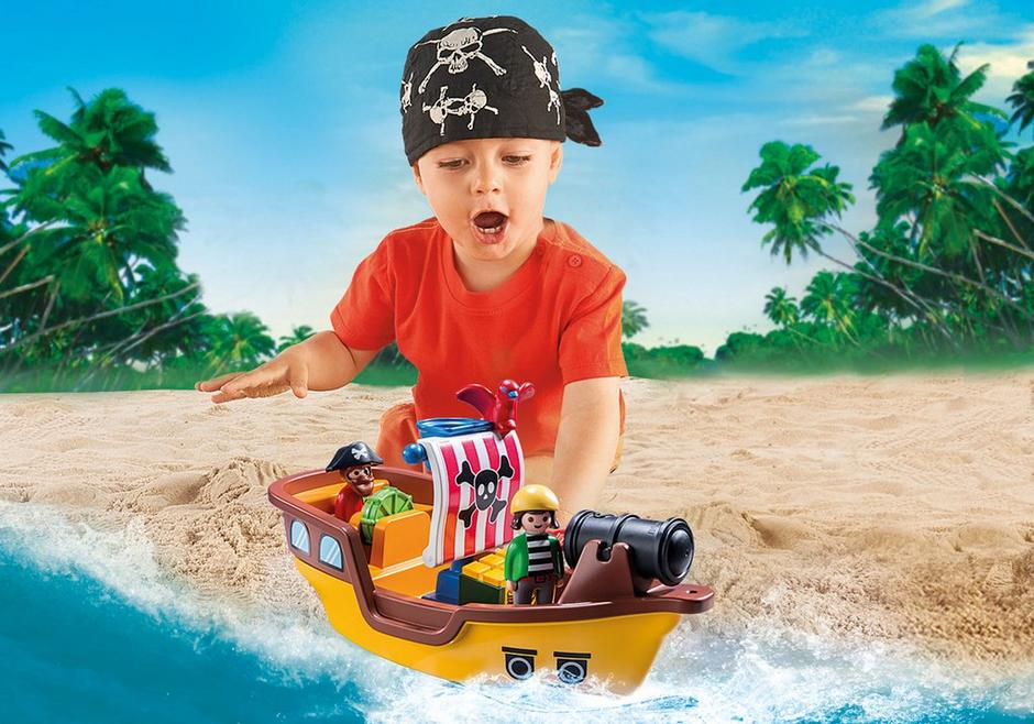 Sailing With Playmobil Is a World Of Fun!